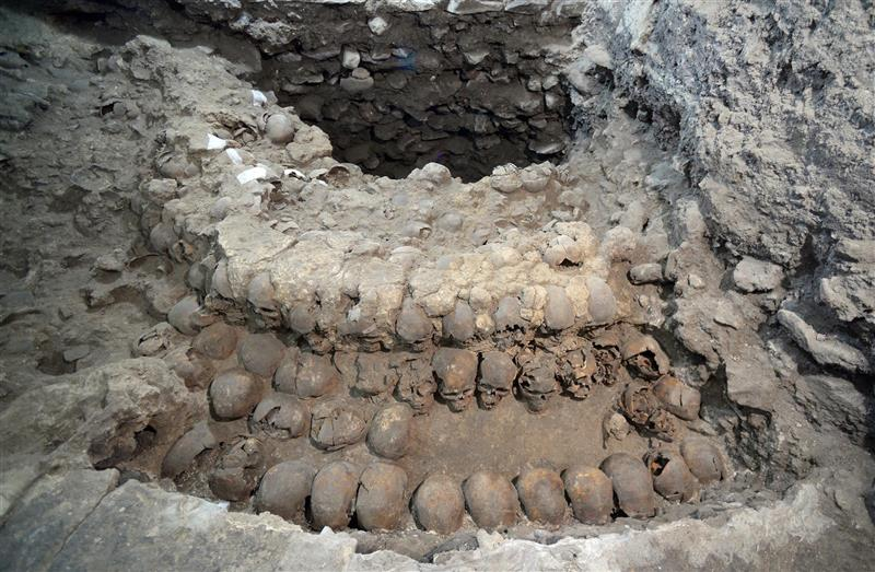 Archeologists unearthed a tower of sacrificial human skulls near Templo Mayor, one of the main temples in the Aztec capital Tenochtitlán, as mentioned by Andres de Tapia, a Spanish soldier who accompanied Cortés in the 1521 conquest of Mexico.