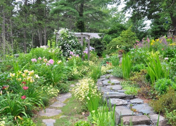In this conception of Canada's political divide, gardeners view society through the understanding that no one is really in charge.
